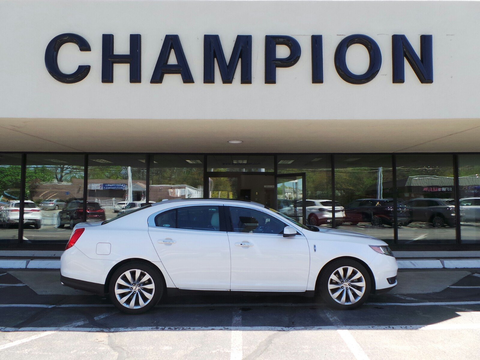 Pre-Owned 2016 Lincoln MKS